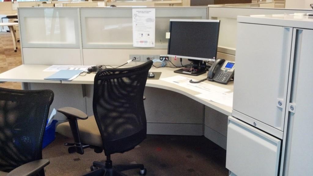 В офисах по большей части опенспейс. Иногда встречается вот такой просторный. В таком работать вполне приятно.